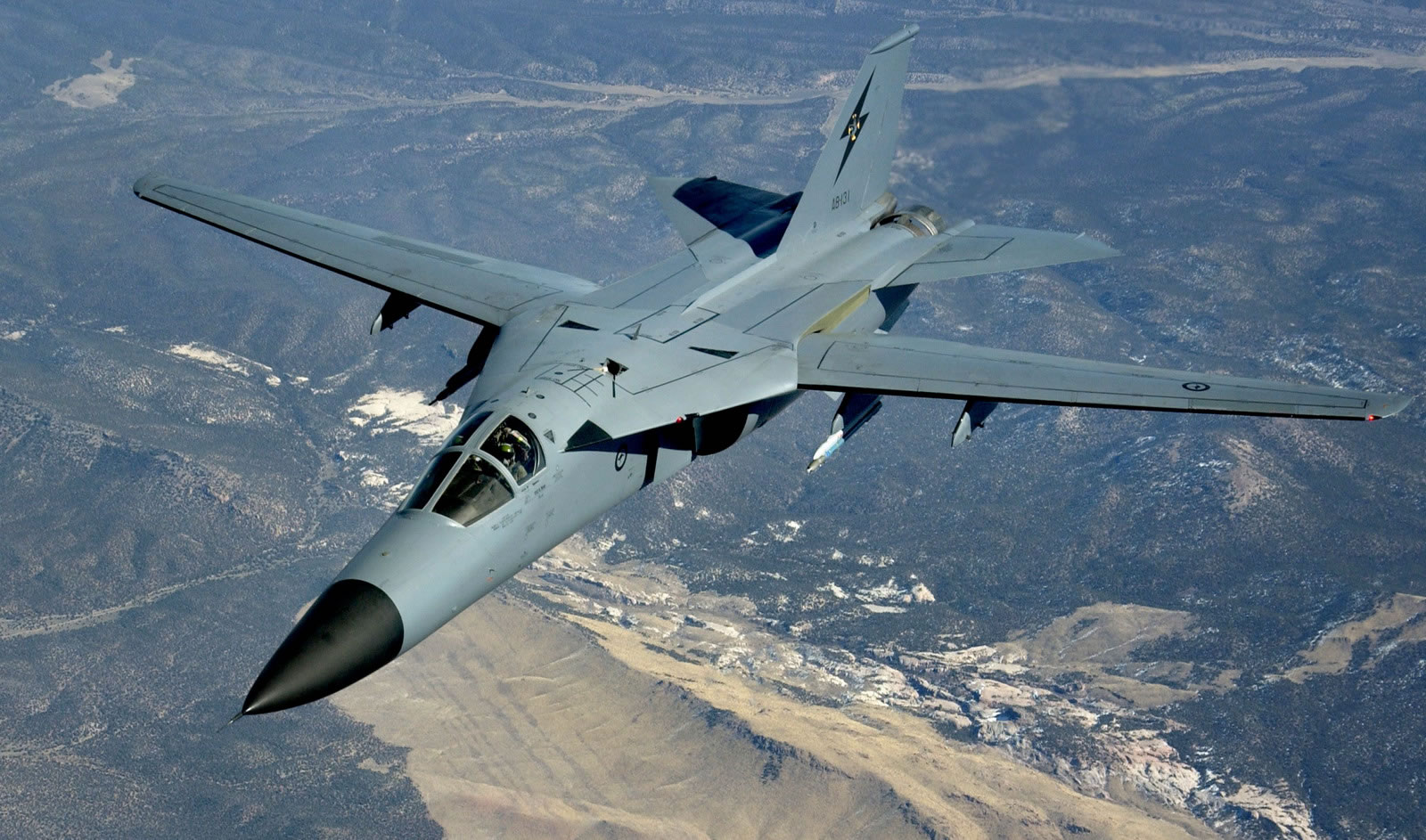 F-111_05.jpg